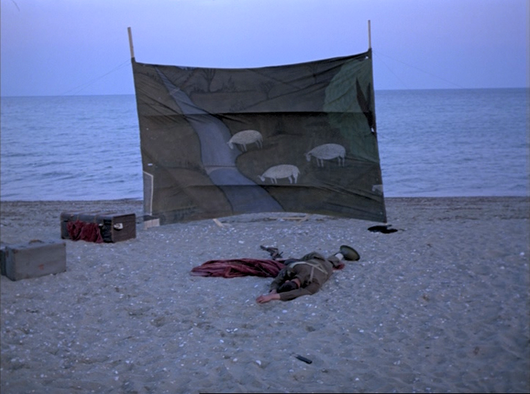 (1) O thiasos [The Travelling Players] (Theodoros Angelopoulos, 1975)