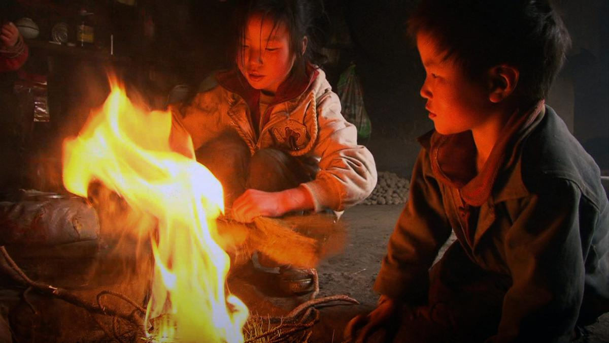 San zimei [Three Sisters] (Wang Bing, 2012)